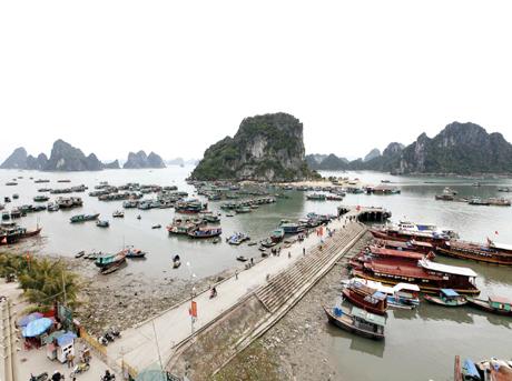 Cai-Rong-port